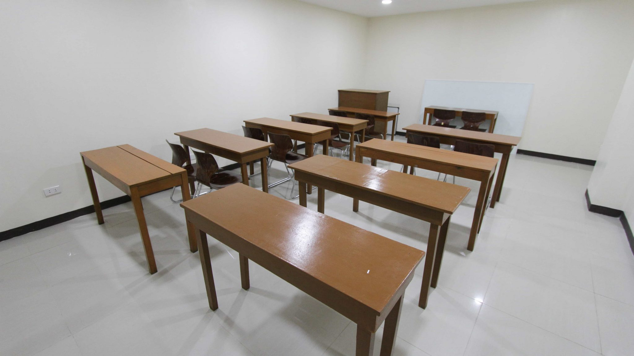 study english in the philippines classroom main campus (1)