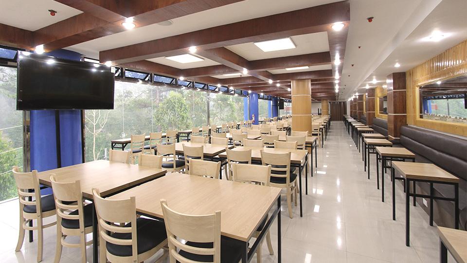 Cafeteria 03