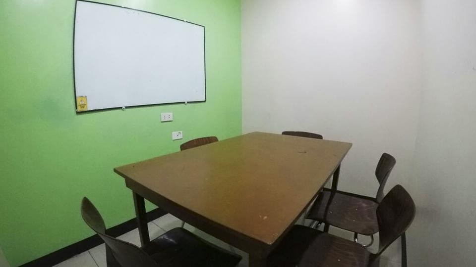 4 on 1 Classroom 2 TW 4:1教室