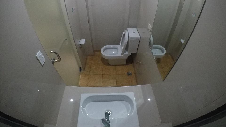 ห้องน้ำ (ห้องเดี่ยว/ ห้องนอนสำหรับสองคน)